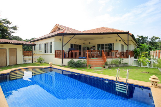 hs2457 big house have swimming pool for sale in hang dongchiangmai