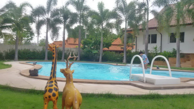 Hs2262 Swimming Pool House For Sale In Resort In San Kam Peang Chiang Mai