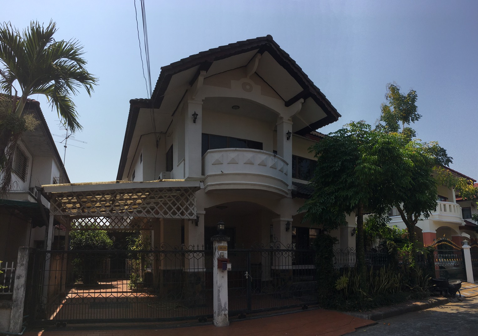 Hr4577 3 bedrooms house for rent in maehia chiang mai for Chiang mai house for rent swimming pool